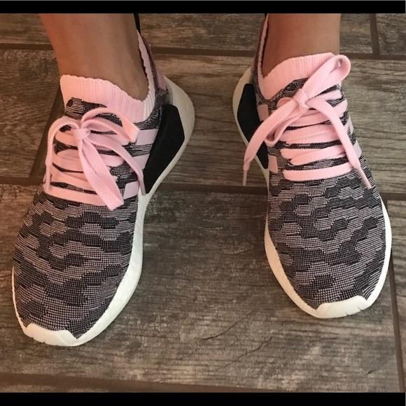nmd r2 primeknit adidas a wonder poshmark rosa